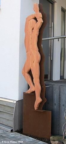Stele, Lärche, Cortenstahl, ca. 220 cm
